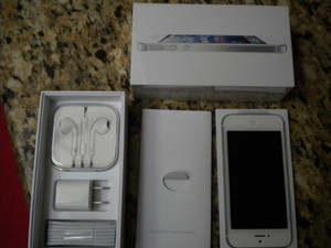 Apple iPhone 5 White (16 GB) $600